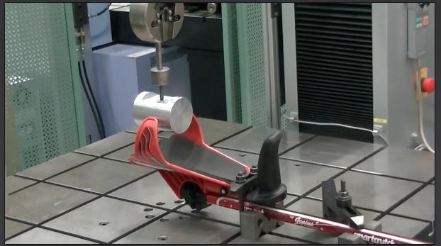 カフ 腕の引き抜き実験